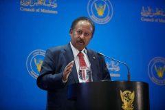 حمدوك ينفي تغول المستشارين على مهام رئيس الوزراء
