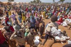 مفوض العون الإنساني يقف علي حجم تدفقات اللاجئين بكسلا