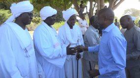 الهادي يلتقي قيادات و نازحي شطايا بجنوب دارفور