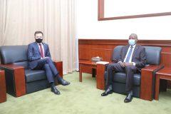 الهادى إدريس يلتقى مستشار رئيس الوزراء البولندى