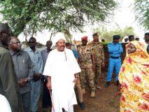 والي جنوب دارفور يقف على أضرار السيول والأمطار بعد الفرسان