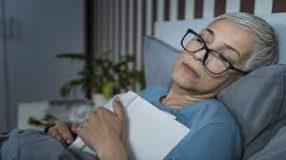 ما الذي يفعله الدماغ أثناء ساعات النوم الطويلة
